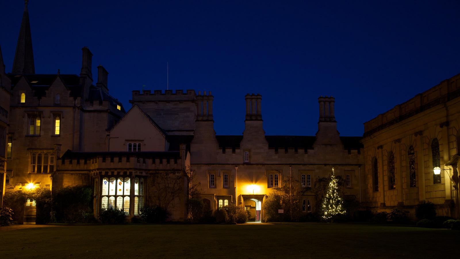 Pembroke College christmas tree